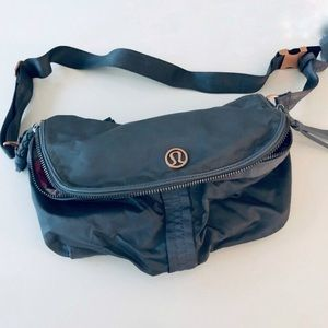 Lululemon Athletica Fanny Pack.